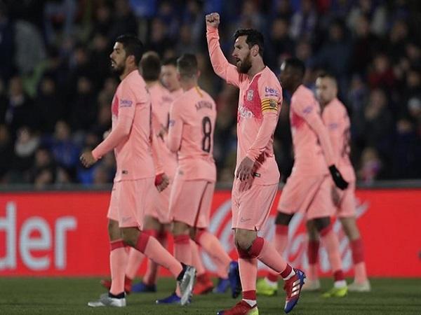 Giải thưởng vô nghĩa với Messi
