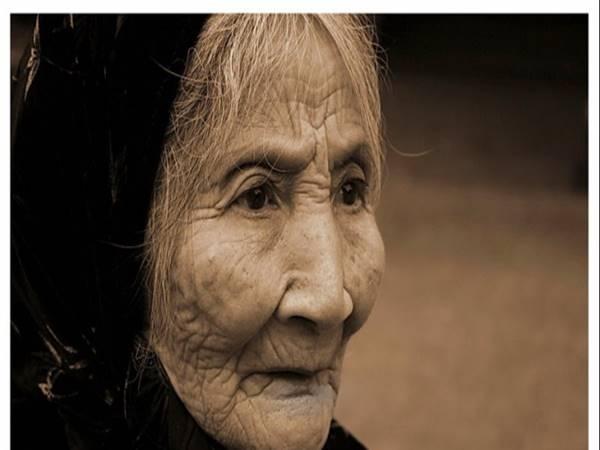 Mơ thấy bà già trẻ em là điềm báo gì trong tương lai?